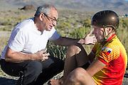 De vierde racedag. In Battle Mountain (Nevada) wordt ieder jaar de World Human Powered Speed Challenge gehouden. Tijdens deze wedstrijd wordt geprobeerd zo hard mogelijk te fietsen op pure menskracht. Ze halen snelheden tot 133 km/h. De deelnemers bestaan zowel uit teams van universiteiten als uit hobbyisten. Met de gestroomlijnde fietsen willen ze laten zien wat mogelijk is met menskracht. De speciale ligfietsen kunnen gezien worden als de Formule 1 van het fietsen. De kennis die wordt opgedaan wordt ook gebruikt om duurzaam vervoer verder te ontwikkelen.<br /> <br /> Fourth racing day. In Battle Mountain (Nevada) each year the World Human Powered Speed ??Challenge is held. During this race they try to ride on pure manpower as hard as possible. Speeds up to 133 km/h are reached. The participants consist of both teams from universities and from hobbyists. With the sleek bikes they want to show what is possible with human power. The special recumbent bicycles can be seen as the Formula 1 of the bicycle. The knowledge gained is also used to develop sustainable transport.