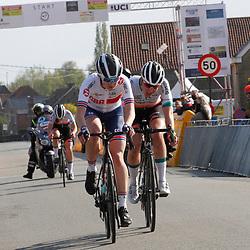 08-05-2021: Wielrennen: GP Eco Struct : Belgie: Abi Smith: Femke Markus