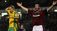 Photo: Paul Thomas.<br /> Burnley v Norwich City. Coca Cola Championship. 23/10/2007.<br /> <br /> Chris Brown (L) of Norwich holds his head after missing a great chance at goal, while David Unsworth appeals to the linesman for off-side.