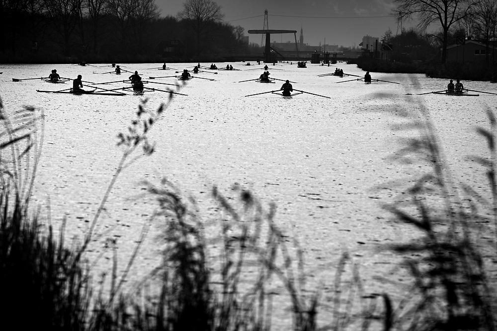 The Hell of the North, a rowing competition in the middle of winter on the Eemskanaal // De Hel van het Noorden, een roeiwedstrijd op het Eemskanaal in het midden van de winter.