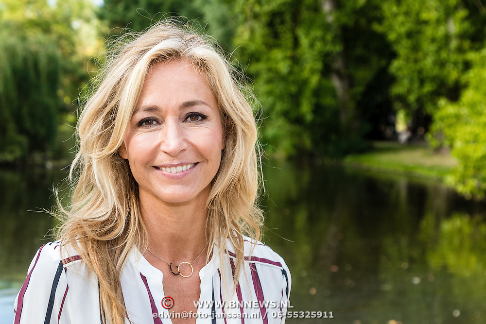NLD/Amsterdam/20160909 - Aftrap 3de Stoptober, Wendy van Dijk