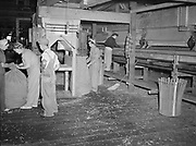5591Women working on the stationary hop picker at the E. Clemens Horst hop ranch near Independence, Oregon. September 1, 1942.