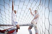 20161211/ Javier Calvelo - adhocFOTOS/ URUGUAY/ MONTEVIDEO/  DEPORTE - FUTBOL/ CAMPEONATO URUGUAYO ESPECIAL 2016 / 15° FECHA/ Nacional ante Boston River en el Parque Central por la decimoquinta y última fecha del Campeonato Uruguayo Especial 2016. Tras ganarle a Boston River, Nacional se coronó campeón del Campeonato Uruguayo Especial 2016.<br /> En la foto: Gonzalo Porras y Santiago Romero en los festejos del Nacional campeón del Campeonato Uruguayo Especial en el Parque Central. Foto: Javier Calvelo/ adhocFOTOS