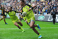 Rugby Union - 2016 / 2017 Aviva Premiership - Semi-Final: Wasps vs. Leicester Tigers<br /> <br /> Peter Betham of Leicester runs round for his try to level the scores at 13 - 13 at Ricoh Arena.<br /> <br /> COLORSPORT/ANDREW COWIE