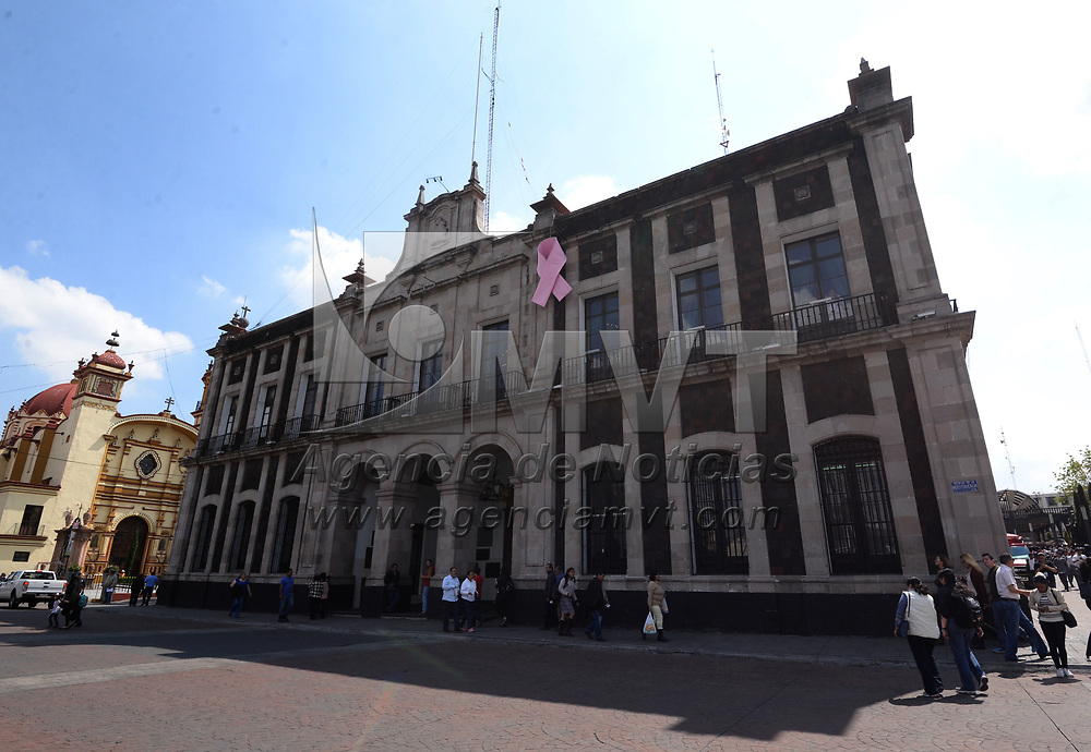 TOLUCA, México.- (Octubre 18, 2017).- Aspectos del edificio del ayuntamiento de Toluca. Agencia MVT / Crisanta Espinosa.