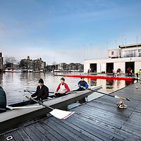 Nederland, Amsterdam , 29 januari 2012..Zondagochtend bij Roeivereniging de Hoop aan de Amstel. Deze roeivereniging is de duurste in Amsterdam..Foto:Jean-Pierre Jans