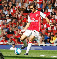 Photo: Steve Bond.<br />Arsenal v Derby County. The FA Barclays Premiership. 22/09/2007. Mathieu Flamini spreads the ball from midfield