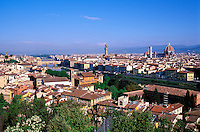 Italie, Toscane, Florence, vue generale depuis la Piazza Michel-Ange // cityscape from Piazzale Michelangelo, Florence, Tuscany, Italy