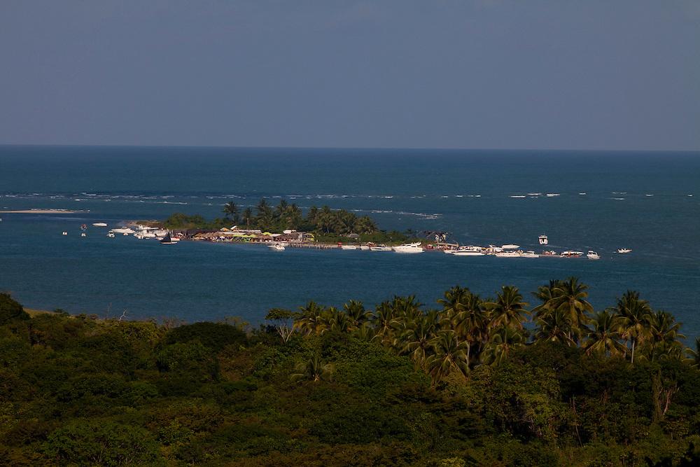 Itamaraca_PE, Brasil...Vista panoramica da Coroa do Aviao...The panoramic view of Coroa do Aviao...Foto: LEO DRUMOND / NITRO