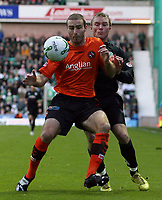 Photo: Paul Thomas/Sportsbeat Images.<br /> Hibernian v Dundee United. Clydesdale Bank Premier League. 24/11/2007.<br /> <br /> Sean Dillon (L) battles with Alan O'Brien of Hibs.