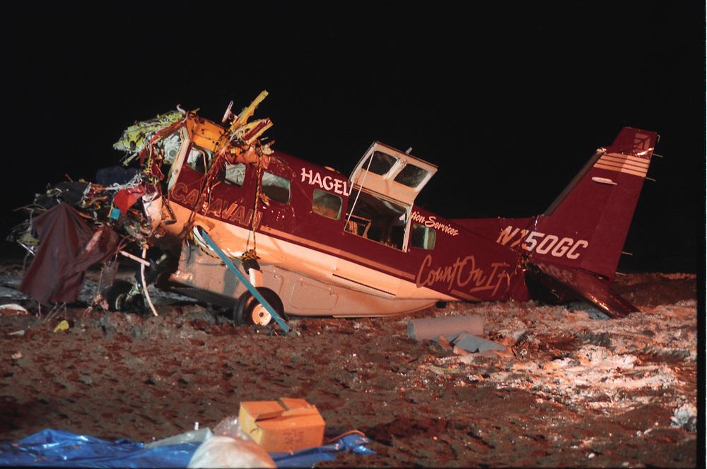 Alaska, Barrow. Hageland airplane crash rescue. Caravan passenger aircraft that fell in the Arctic Ocean right after take off. November 1997.