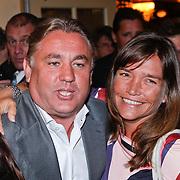 NLD/Volendam/20111117 - Huwelijksfeest nav huwelijk Jan Smit en Liza Plat, Henny van der hek, eigenaar van Mambo Beach aan de zuidkant van Curaçao