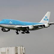 NLD/Amsterdam/20060903 - Aankomst vliegtuig op Schiphol airport, KLM 747 Tokyo