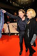 Premiere van de film Sonny Boy op maandag 17 januari in het Circus Theater in Scheveningen.<br /> <br /> Op de foto:<br /> <br />  Henk Jan Smnits