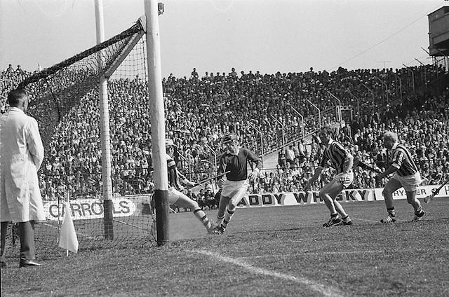 Kilkenny attempts to score a goal during All Ireland Senior Hurling Final, Cork v Kilkenny in Croke Park on the 3rd September 1972. Kilkenny 3-24, Cork 5-11.