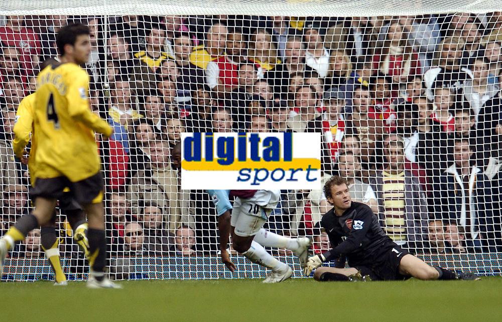 Photo: Olly Greenwood.<br />West Ham United v Arsenal. The Barclays Premiership. 05/11/2006. West Ham's Marlon Harewood scores while Arsenal's Jens Lehmann looks on