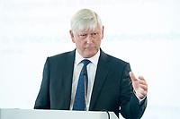 """06 JUN 2018, BERLIN/GERMANY:<br /> Dr. Rolf Martin Schmitz, Vorstandsvorsitzender RWE AG, 27. BBH-Energiekonferenz """"Die Energiewende"""", Franzoesische Friedrichstadtkirche<br /> IMAGE: 20180606-01-093"""