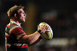 Tom Youngs of Leicester Tigers looks to throw into a lineout - Mandatory byline: Patrick Khachfe/JMP - 07966 386802 - 03/03/2017 - RUGBY UNION - Welford Road - Leicester, England - Leicester Tigers v Exeter Chiefs - Aviva Premiership.