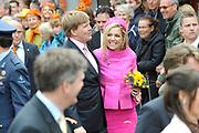 Koninginnedag 2008 / Queensday 2008. <br /> <br /> Koningin Beatrix viert Koninginnedag dit jaar in Friesland. De vorstin en haar familie bezochten op 30 april Makkum en Franeker.<br /> <br /> Queen Beatrix celebrates Queensday this year in Friesland (the Nothren provice in Holland). The Queen and its family visited Makkum and Franeker on 30 April.<br /> <br /> Op de foto/ On the Photo: Prinses Maxima , Prins Willem Alexander / Princess Maxima , Prince Willem Alexander