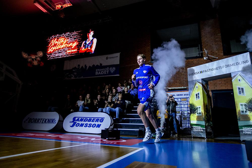 ÖSTERSUND 20211007<br /> Jämtlands Moltas Gyllenbring under torsdagens match i basketligan mellan Jämtland Basket och Norrköping Dolphins.<br /> Foto: Per Danielsson / Projekt.P