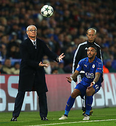 Leicester City manager Claudio Ranieri grabs the ball for Danny Simpson - Mandatory by-line: Matt McNulty/JMP - 22/11/2016 - FOOTBALL - King Power Stadium - Leicester, England - Leicester City v Club Brugge - UEFA Champions League