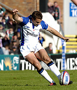 Leicester, England UK., 9th October 2004,  Zurich Premiership Rugby, Leicester Tigers vs Bath Rugby, Welford Road,<br /> [Mandatory Credit: Peter Spurrier/Intersport Images],<br /> Olly Barkley kicking a penalty goal.