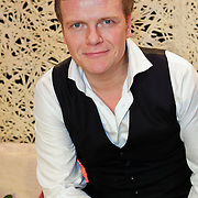 NLD/Leiden/20111210 - Premiere Help ik heb mijn vrouw zwanger gemaakt, Bastiaan Ragas
