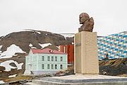 communist memorial, bust of Lenin, Barentsburg a Coal mining town, Russian coal mining settlement in Billefjorden, Spitsbergen, Norway