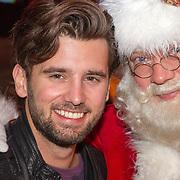 NLD/Hilversum/20151207- Sky Radio's Christmas Tree for Charity, Ruud Feltkamp en de kerstman