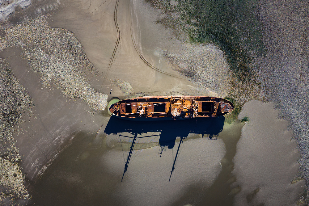 The «Desdemona» wreck, south of cape San Pablo at low tide. Argenitina
