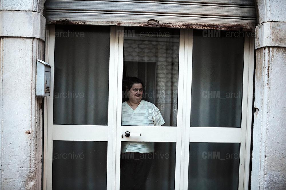Donna in casa. Troia 29 Maggio 2014.  Christian Mantuano / OneShot