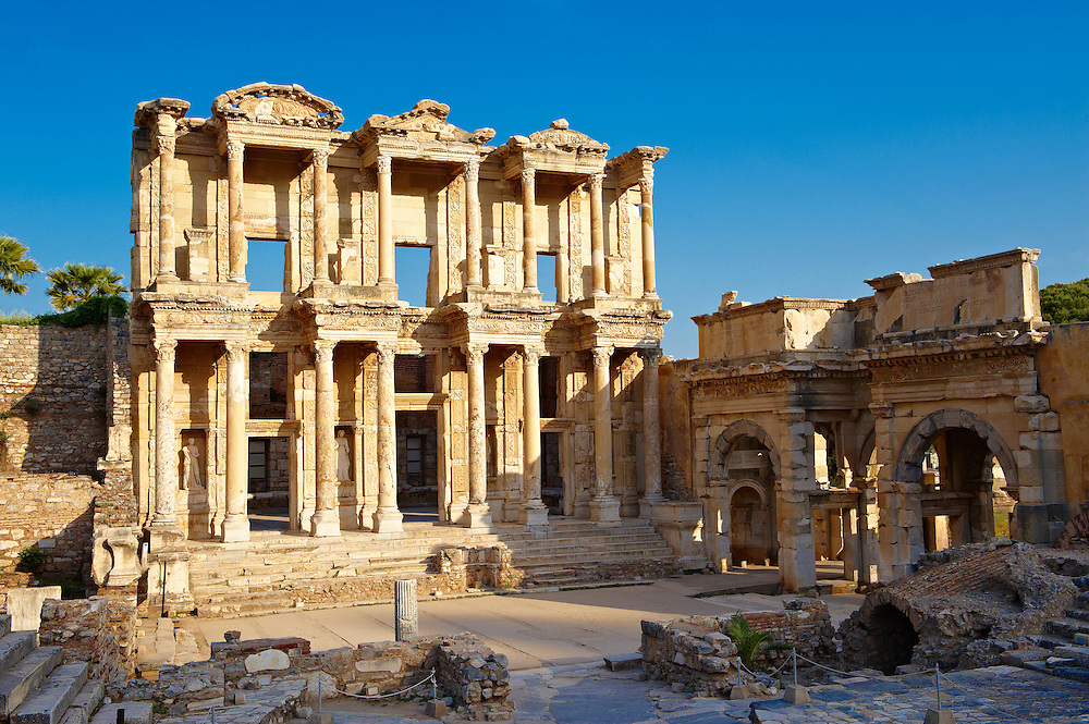 Photo & picture of The library of Celsus. Images of the Roman ruins of Ephasus, Turkey. Stock Picture & Photo art prints 1 .<br /> <br /> If you prefer to buy from our ALAMY PHOTO LIBRARY  Collection visit : https://www.alamy.com/portfolio/paul-williams-funkystock/ephesus-celsus-library-turkey.html<br /> <br /> Visit our TURKEY PHOTO COLLECTIONS for more photos to download or buy as wall art prints https://funkystock.photoshelter.com/gallery-collection/3f-Pictures-of-Turkey-Turkey-Photos-Images-Fotos/C0000U.hJWkZxAbg