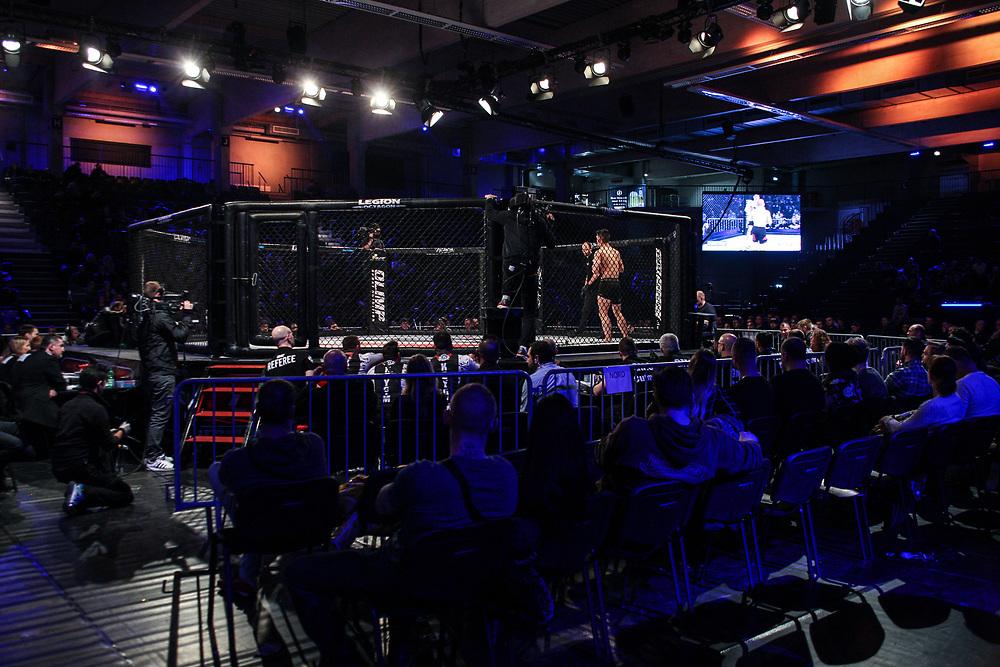 MMA: German MMA Championship, GMC, Hamburg, 07.01.207<br /> Islam Khapilaev (Sportacademy Fürth) - Loik Radzhabov (Gladiator Team Dresden)<br /> © Torsten Helmke