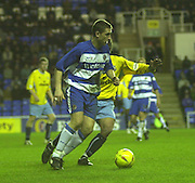 20/12/2003 - Photo  Peter Spurrier.2003_04_Nationwide_Div_1.Reading_FC_vs_Crystal_Palace_FC.Nicky Forster controls the ball down.