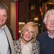 NLD/Amsterdam/20190206- De Waarheid premiere, Frits Landesbergen en partner Joke Bruys