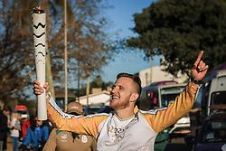 O revezamento da Tocha Olímpica passa por São Lourenço, Pérola da Lagoa,, na Lagoa dos Patos, RS.  Aceso em 21 de abril, em ritual repetido a cada quatro anos em Olímpia, na Grécia, o símbolo olímpico passará por 28 cidades gaúchas de 3 a 9 de julho e será conduzido por 617 indicados no Rio Grande do Sul, começando por Erechim e se despedindo em Torres, em percurso de mais de dois mil quilômetros. Foto: Gustavo Roth / Agência Preview