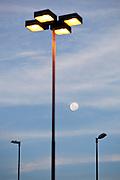 Nova Lima_MG, 16 de fevereiro de 2011. .Luar visto do condominio Alphaville em Nova Lima, Minas Gerais...Moon seen from the Alphaville condominium in Nova Lima, Minas Gerais...Foto: NIDIN SANCHES / NITRO