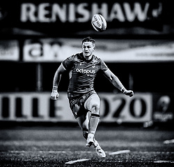 Hallam Amos of Cardiff Blues kicks ahead<br /> <br /> Photographer Simon King/Replay Images<br /> <br /> European Rugby Challenge Cup Round 2 - Cardiff Blues v Leicester Tigers - Saturday 23rd November 2019 - Cardiff Arms Park - Cardiff<br /> <br /> World Copyright © Replay Images . All rights reserved. info@replayimages.co.uk - http://replayimages.co.uk