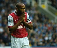 Photo: Daniel Hambury.<br />Reading v Arsenal. The Barclays Premiership. 22/10/2006.<br />Arsenal's Thierry Henry.