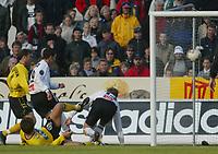 Fotball - 1. mai 2002. Odd Grenland - Start i Skien. Martin Wiik, Odd scorer 2-0 målet.<br /> <br /> Foto: Andreas Fadum, Digitalsport