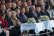 Bevrijdingsconcert 2015 op de Amstel in Amsterdam in aanwezigheid van de koninklijke Familie<br /> <br /> Freedomconcert 2015 on the Amstel River in Amsterdam in the presence of the Royal Family<br /> <br /> Op de foto / On the photo:  Koning Willem-Alexander, koningin Maxima, prinses Beatrix, premier Stephen Harper van Canada en zijn vrouw Laureen zitten op de tribune om naar het concert te kijken.<br /> <br /> King Willem-Alexander, Queen Maxima, Princess Beatrix, Prime Minister of Canada Stephen Harper and his wife Laureen sit in the stands to watch the concert.