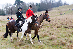 © Licensed to London News Pictures. 26/12/2018. London, UK.  People and their horses arrive for the traditional Chiddingfold, Leconfield and Cowdray Boxing Day Hunt sets off from the kennels at Petworth House in Petworth Park, West Sussex.  Photo credit: Vickie Flores/LNP