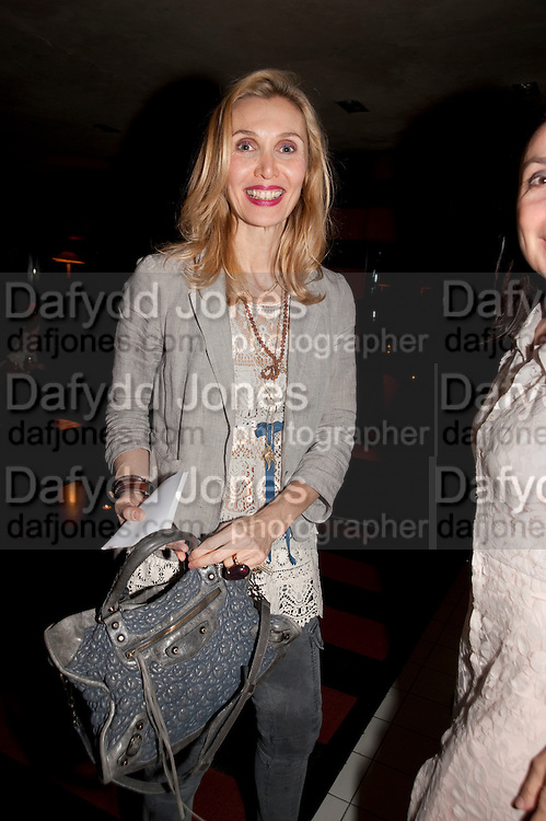 ALLEGRA HICKS, Book party for Janine di Giovanni's Ghosts by Daylight. Blake's Hotel. South Kensington. London. 12 July 2011. <br /> <br />  , -DO NOT ARCHIVE-© Copyright Photograph by Dafydd Jones. 248 Clapham Rd. London SW9 0PZ. Tel 0207 820 0771. www.dafjones.com.