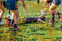 ANTWERPEN - Europees kampioen. Maria Verschoor (Ned)  tussen de gouden confetti.  Het Nederlands team na de winst   na   de   finale  dames  Nederland-Duitsland  (2-0) bij het Europees kampioenschap hockey.    COPYRIGHT  KOEN SUYK