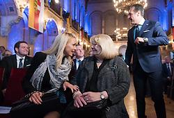 06.04.2016, Palais Ferstel, Wien, AUT, FPÖ, Festakt anlässlich 60 Jahre Freiheitlich Partei Österreich. im Bild v.l.n.r. Philippa Beck, Marion (Mutter von Strache) und Klubobmann FPÖ Heinz-Christian Strache // during ceremonial act according to 60 years of the austrian freedom party in austria. Vienna, Austria on 2016/04/06. EXPA Pictures © 2016, PhotoCredit: EXPA/ Michael Gruber // during ceremonial act according to 60 years of the austrian freedom party in austria. Vienna, Austria on 2016/04/06. EXPA Pictures © 2016, PhotoCredit: EXPA/ Michael Gruber
