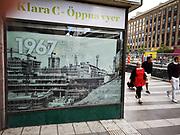 En bild av när Sergels torg byggdes på 1960-talet som jag tog som tonåring. Nu byggs torget om igen och spårvagnen dras fram. Fotot sattes upp i fönstret där arbetarna har rastlokal för att illustrera den ursprungliga byggnationen för 50 år sedan.