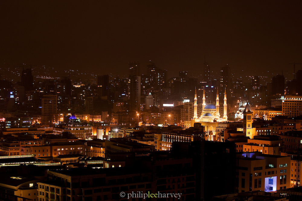 The evening skyline, showing the illuminated Mohammad Al-Amin Mosque at Martyrs Square in Beirut, Lebanon