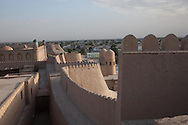 the walls . fortifications. of the old tawn, view from the citadel KUNYA ark  KHIVA  Ouzbekistan  .///.les remparts, fortifications de la vielle ville, vue depuis la citadelle KUNYA  ark  KHIVA  Ouzbekistan .///.OUZB56322