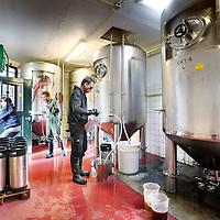 Nederland, Amsterdam , 23 mei 2013..tijdens het Bierbrouwproces in Bierbrouwerij t IJ..Foto:Jean-Pierre Jans
