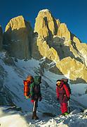 New Zealand climbers Anne Braun-Elwert & Erica Beuzenburg cross high pass en route FitzRoy, winter 1993 Photo: Gottlieb Braun-Elwert